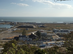 石巻市日和山から見た景色 少しずつですが復興が進んでいます:左は震災直後、右は現在
